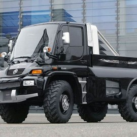 Mercedes-Benz - BRABUS Unimog U500 Black Edition