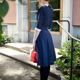 Vintage blue dress and red shoes. ❤