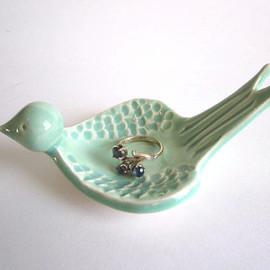 DarriellesClayArt - Ring dish, Mint green,  Ring holder, Ceramic Jewelry dish, Wedding ring holder, Candle holder,  Clay  Pottery,