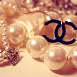 CHANEL - Luxury