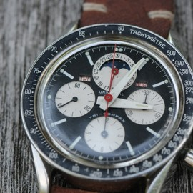 Universal Geneve - Tri-Compax Chronograph