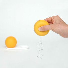 Flip & Tumble - salt + pepper squeezers