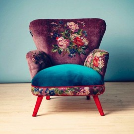 vintage floral arm chair - lovely