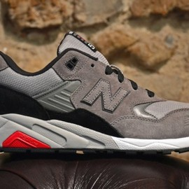 New Balance - MRT580 – Grey – Black – Red