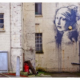 Banksy - The Girl With Pierced Eardrum