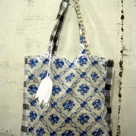 YEAH RIGHT!! - union toto bag small floral ユニオントートバック・花柄