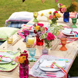 Picnic with flowers