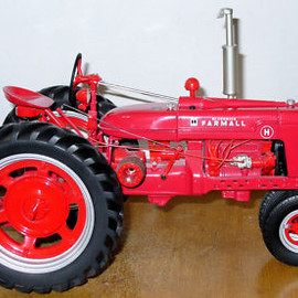 Franklin amint - FARMALL MODEL H TRACTOR