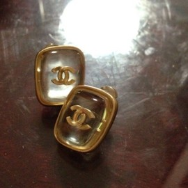 CHANEL - Vintage Pierced Earrings