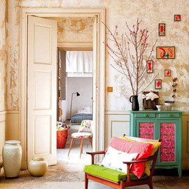 (via Modern Interior Design with French Chic, Exquisite Room Decorating Ideas)