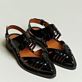 Givenchy - Womens's Patent Leather Pointed Sandals