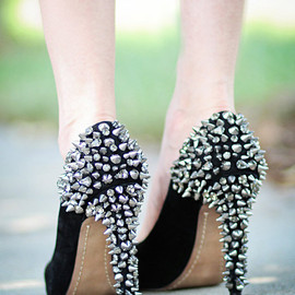 studs shoes