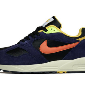 Nike - Air Base II VNTG - Black/Violet/Maze/Orange