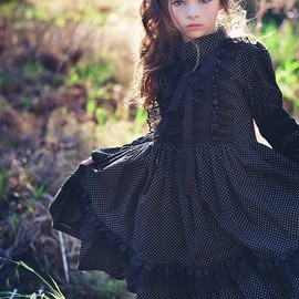 little fashionista - black dress