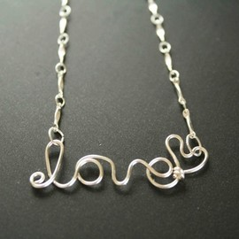Luulla - Love Wire Necklace