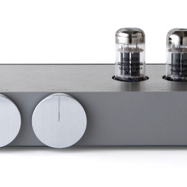 CASE-REAL, 22(tu: tu:) - HYBRID TUBE AMPLIFIER