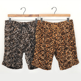 "DISCOVERED - 2011 A/W ""LEOPARD SHORTS"""