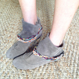 elehandmade - Wrinkled Dove Soft Suede Mini Boots with Colored Leather Braided Belts