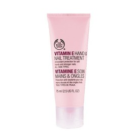 THE BODY SHOP - ハンド&ネイル トリートメントE (Vitamin E Hand & Nail treatment)