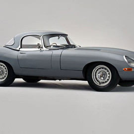 Jaguar -  E-Type Lightweight Roadster