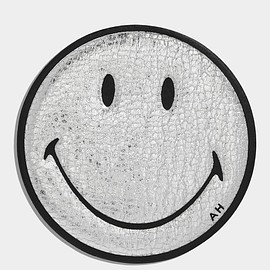 ANYA HINDMARCH - Smiley Sticker  METALLIC CAPRA IN SILVER £45.00