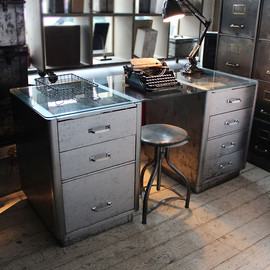 Vintage Steel Desk. (attic.©2012)