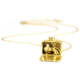 ALEX MONROE - SMALL BASKET LOCKET WITH CAKE AND MOUSE