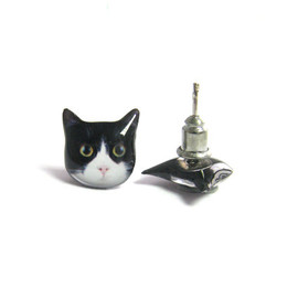 fazjewelry - Cute Black and White Round Eyes Cat Kitten Stud Earrings - A14E84
