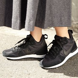 SLY - SLYNIKE WMNS INTERNATIONALIST MID