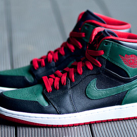 NIKE - NIKE AIR JORDAN 1 RETRO HIGH BLACK/GYM RED-GORGE GREEN-WHITE