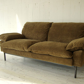 TRUCK - 182. DT SOFA 2-SEATER