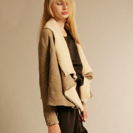 Sisii - Mouton Drape Jacket / LIGHT GRAY