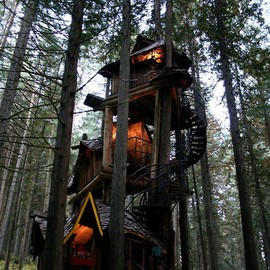 British Colombia, Canada - Three Story Treehouse