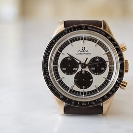 OMEGA - Speedmaster 'First Omega In Space' In Sedna Gold