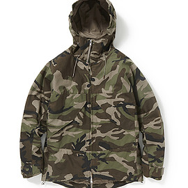 "nonnative - ADVENTURER HOODED JACKET COTTON TWILL WITH ""WINDSTOPPER®"" 2L CAMO"