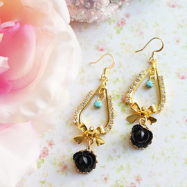 Luulla - Black Rose Rhinestones Earrings.