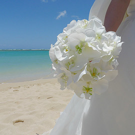 by the ocean - White bouquet