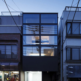 Apollo Architects & Associates - Narrow three Storey-house, Tokyo