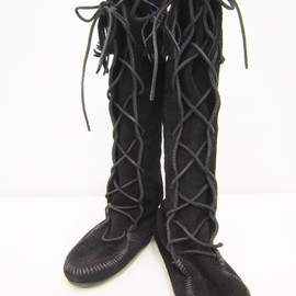 MINNETONKA - FRONT LACE UP KNEE HI BOTS
