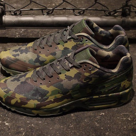 "Nike - NIKE AIR CLASSIC BW FRANCE SP ""CAMOUFLAGE COLLECTION"""