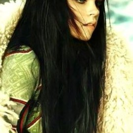 Long Hair With Bangs, the dark color is beautiful