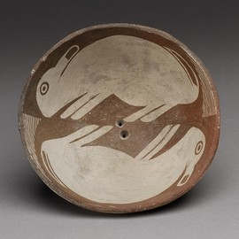 mid-9th–12th century, Mimbres peoples, New Mexico - Bowl with Pair of Rabbits, mid-9th–12th century, Mimbres peoples, New Mexico  #ceramics #pottery