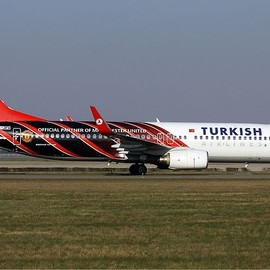 Turkish Airlines - Turkish Airlines Manchester United livery Boeing B737-800