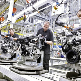 Mercedes-Benz - Mercedes-Benz Engine Production