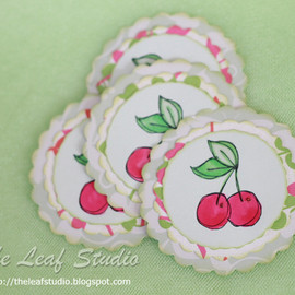 Luulla - Scallop Cherry Tags/Labels by TLS