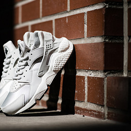 "NIKE - Nike WMNS Air Huarache Run ""Light Bone"""