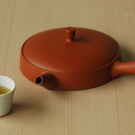 Sゝゝ/エス - The teapot for refined green tea/玉露用の平急須