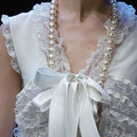 Valentino - white bow