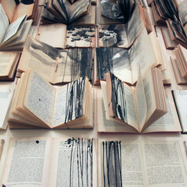 Ekaterina Panikanova - Paintings On Books