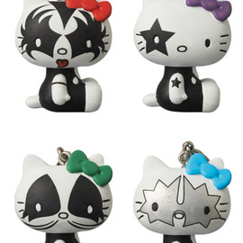 MEDICOM TOY - UDF KISS × HELLO KITTY KEYHOLDER